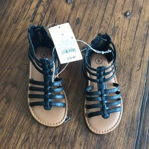 Girls black Cherokee sandals size 8 NWT